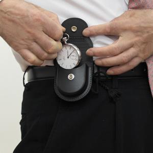 懐中時計 専用ケース 着用イメージ