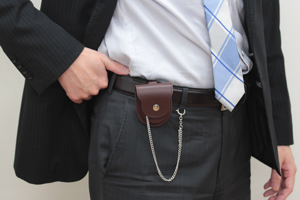 スーツにも似合う懐中時計