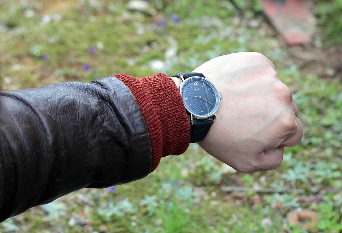 革ジャンにも似合う腕時計です