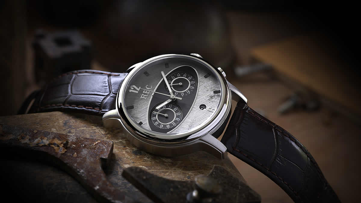 クラシックカーの代名詞として知られるMini Mark 1&2のダッシュボードのデザインをモチーフの腕時計。