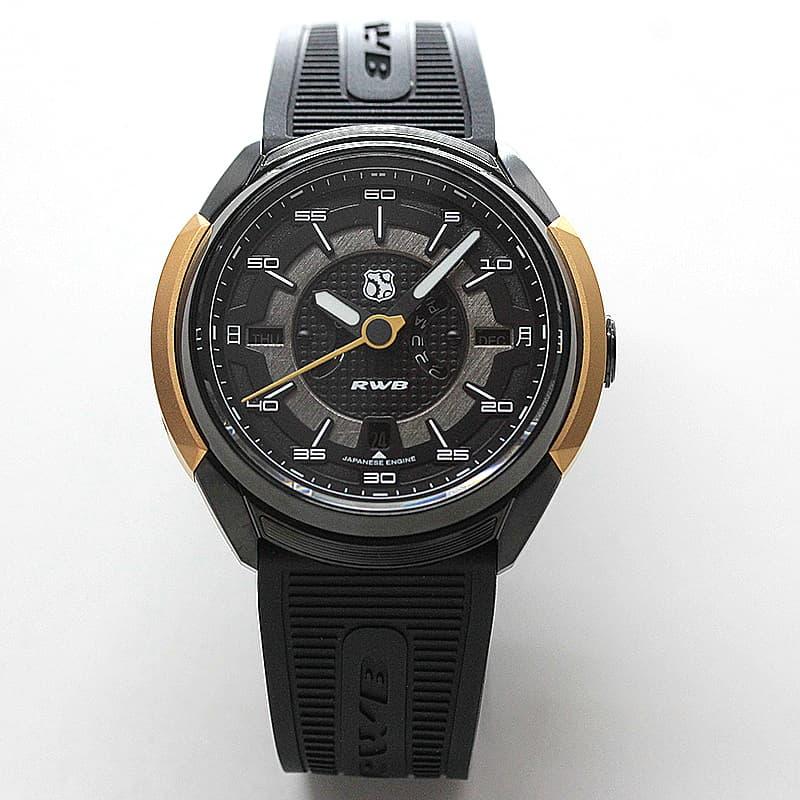 ポルシェのチューニングを専門とするRAUH-Welt BEGRIFF (RWB)の創立者である、中井 啓氏とのコラボレーションによって誕生REC腕時計。