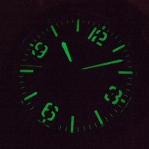 暗闇で視認性を確保する蓄光針