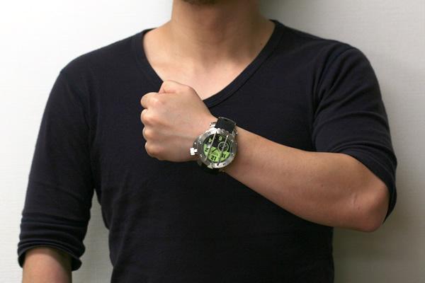 VOSTOK 腕時計 正美堂男性スタッフ着用