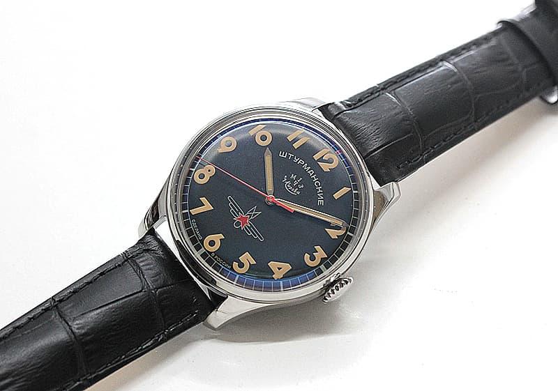 地球は青かったの名言を残す人類史上初の宇宙飛行士「ガガーリン」。宇宙空間へと飛び立った伝説のシュトゥルマンスキーの腕時計ガガーリンシリーズ。日本限定限定8本。