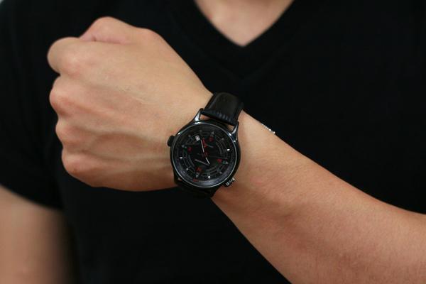シュトゥルマンスキーの腕時計GMTクォーツウォッチ 正美堂男性スタッフ
