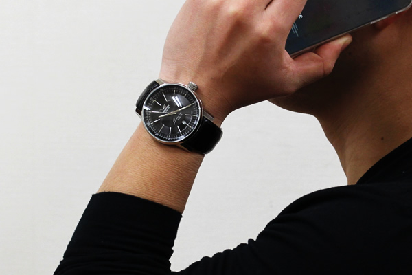 VOSTOKEUROPE 腕時計 正美堂男性スタッフ着用