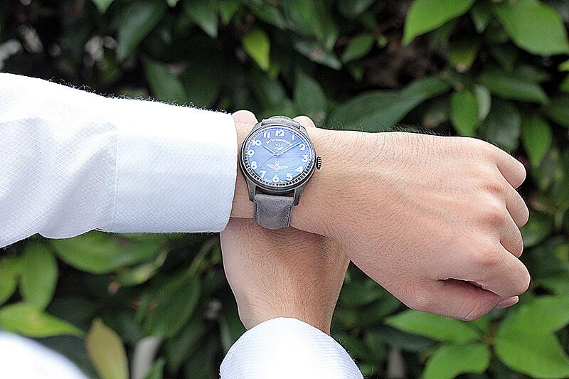 STURMANSKIEシュトゥルマンスキー) アニバーサリー限定モデル ガガーリン(Gagarin) アイボリーカラー 2609-3700477 腕時計