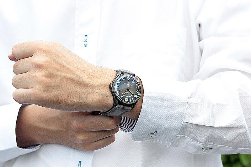 STURMANSKIE(シュトゥルマンスキー) アニバーサリー限定モデル ガガーリン(Gagarin) アイボリーカラー 2609-3700477 腕時計