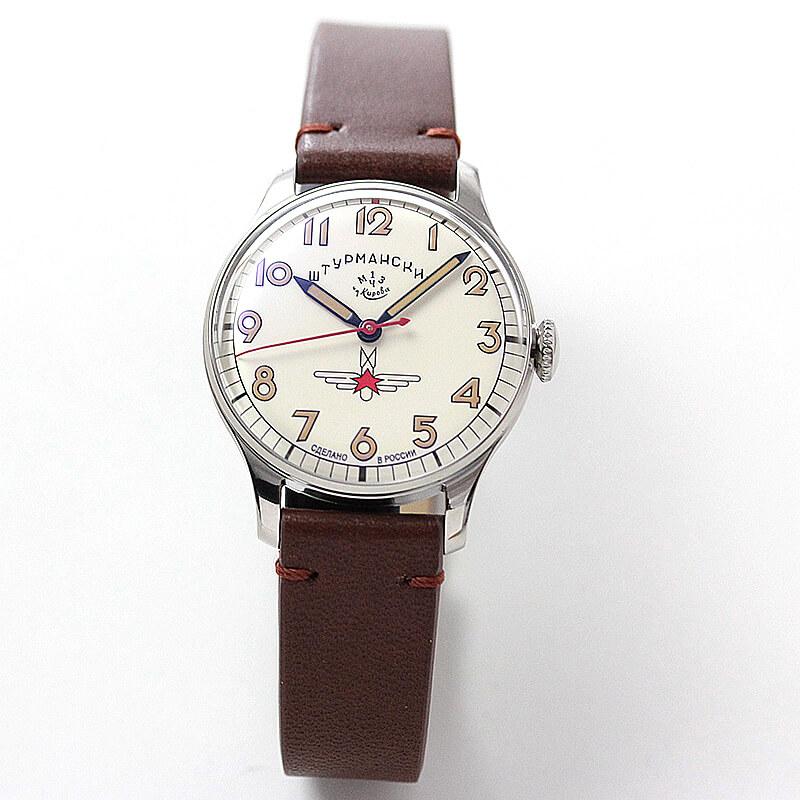 ユーリィ・ガガーリンが当時着用した時計のサイズが33mmと、サイズまでもが忠実に再現。