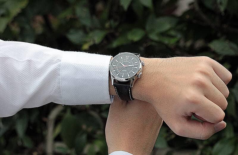手巻き式腕時計 アラーム