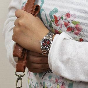 SWISS MILITARY エレガント 女性着用イメージ