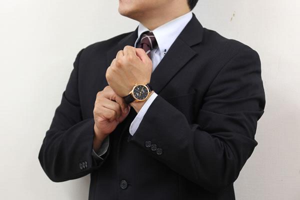 スーツに似合うエレガントな腕時計