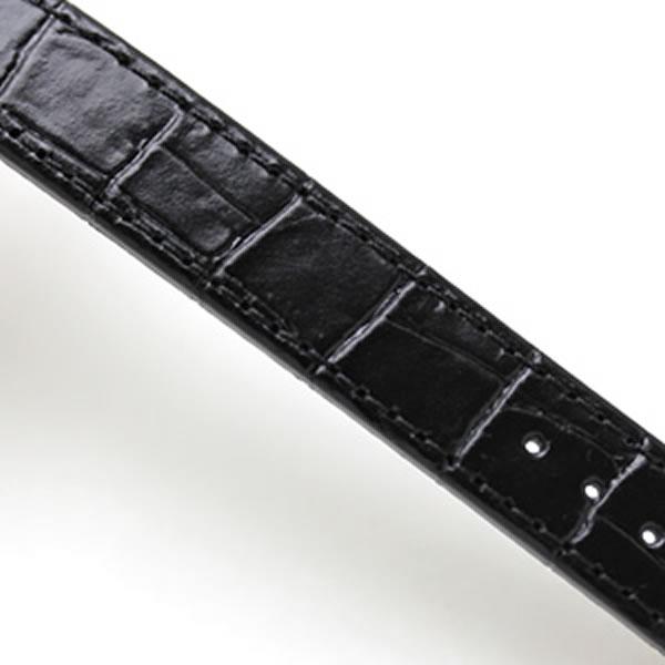 ブラックの押し革ベルト