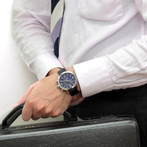 腕周り16cmのスタッフがTISSOT 腕時計 PRC200 T0554171604700を着用