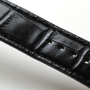 黒い革ベルト