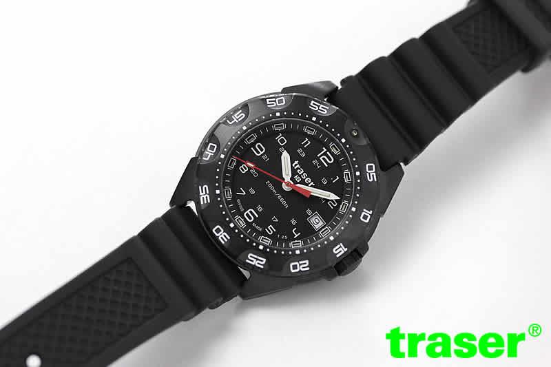 タフで強い腕時計