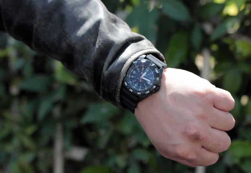 正美堂男性モデル 腕時計