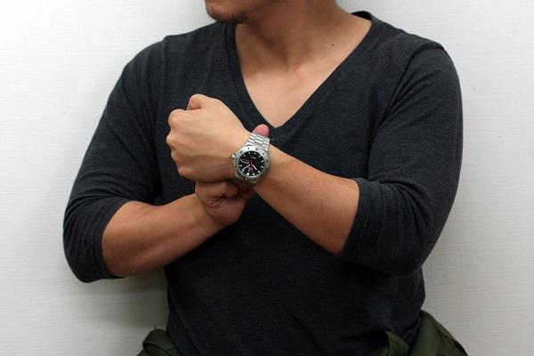 チュチマ TUTIMA 正美堂時計店 男性スタッフ着用画像