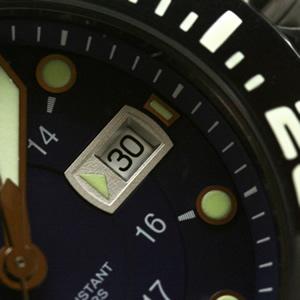 VICTORINOX 腕時計 デイトカレンダー 日付