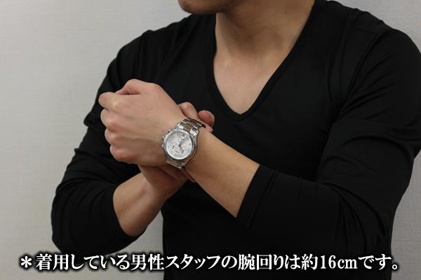 VICTORINOX ビクトリノックス 241497 腕時計 正美堂 男性スタッフ着用画像