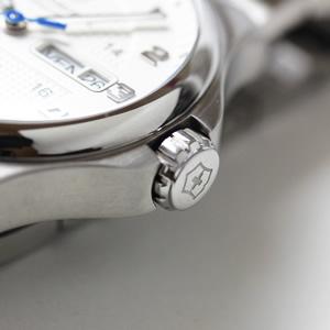 腕時計 オフィサーシリーズ リューズ