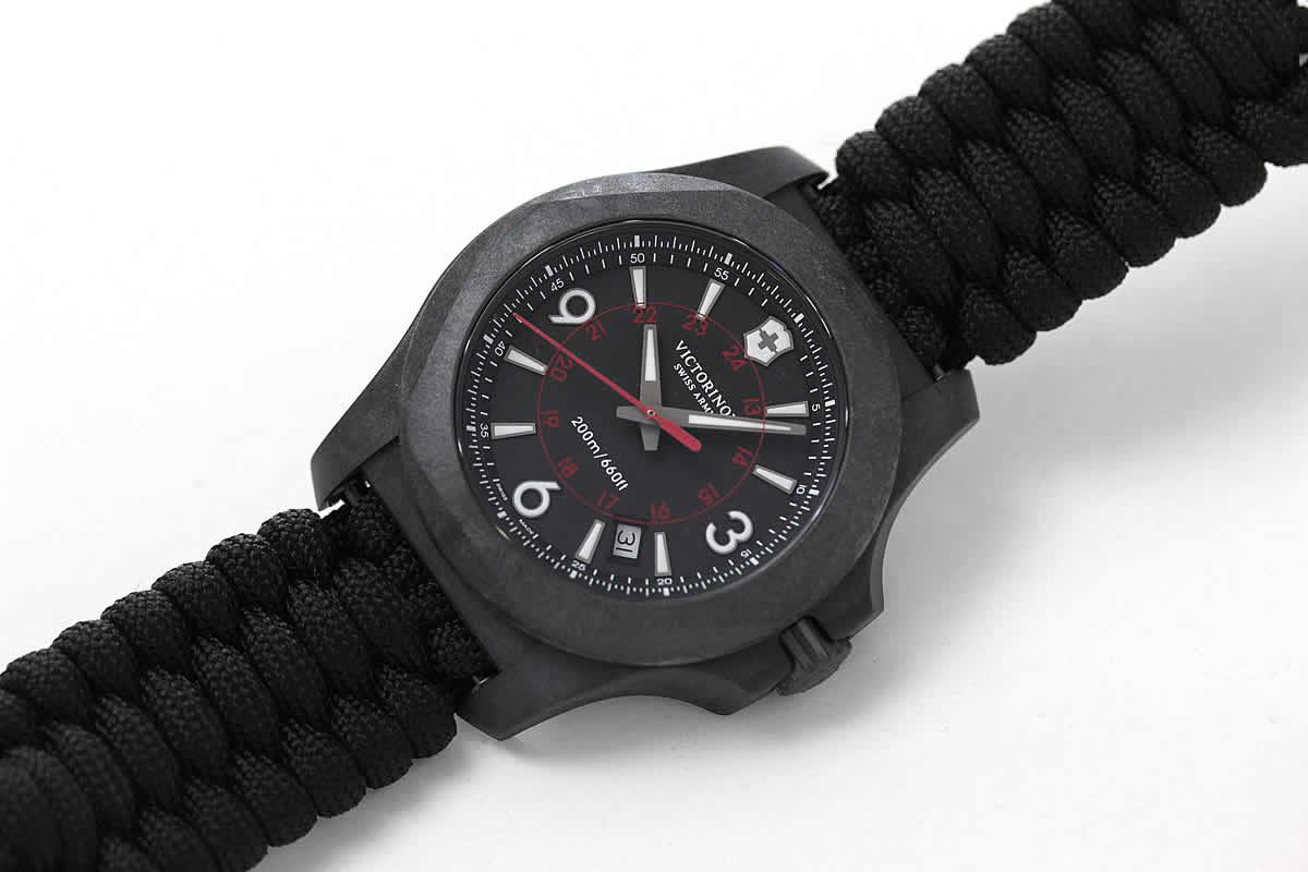 アウトドア時計 ブラックカラー