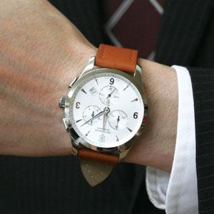 VICTORINOX SWISSARMY スーツに似合う腕時計