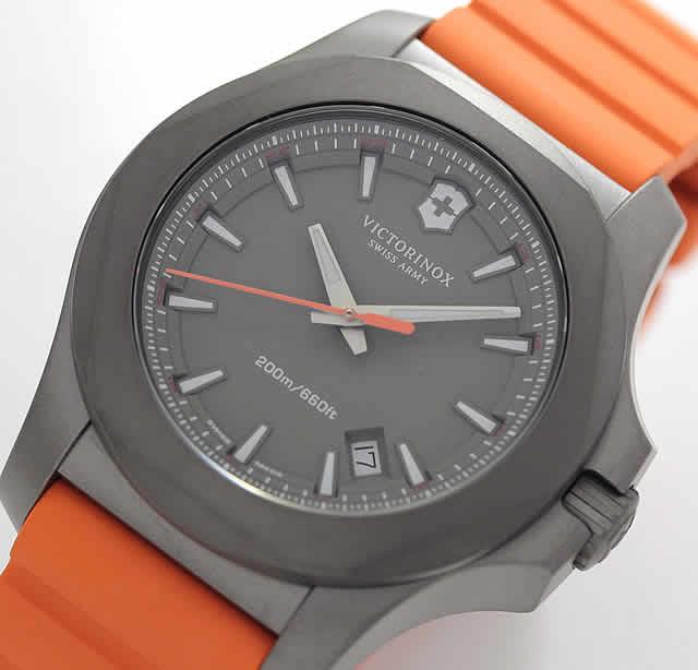 ビクトリノックス イノックス チタニウム 時計