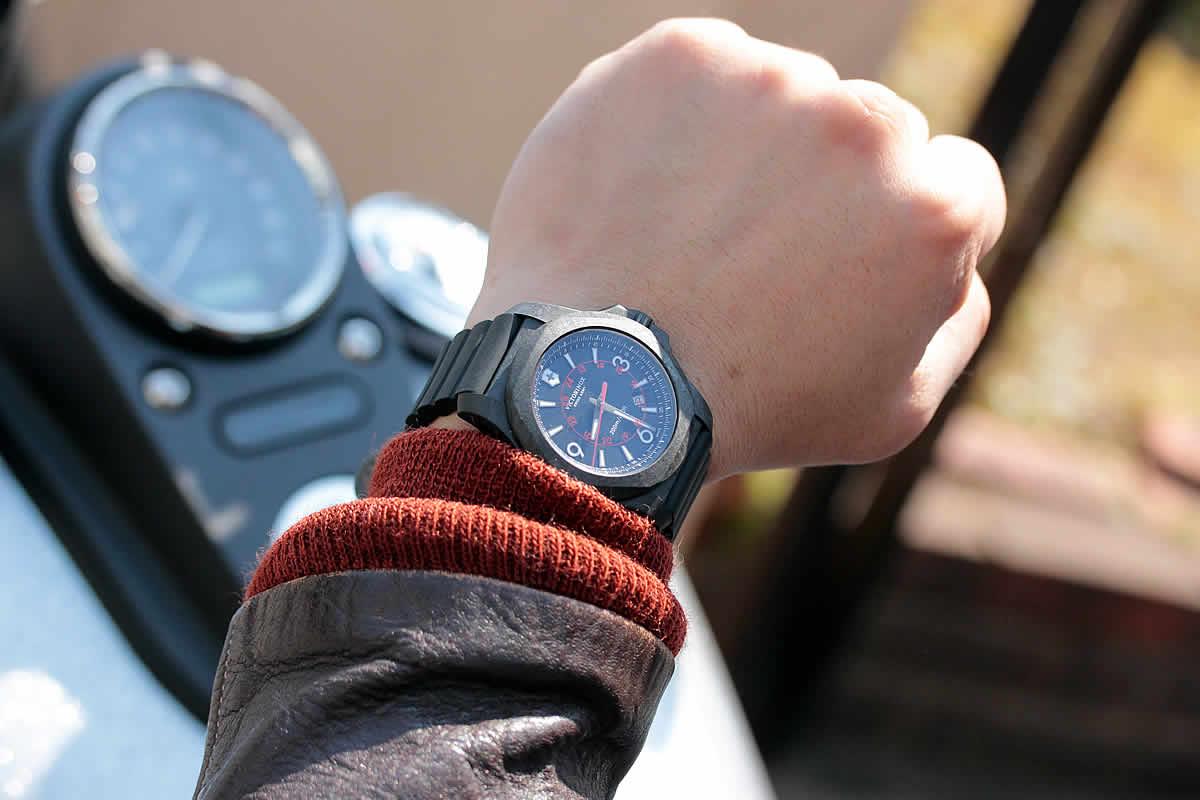 ジーンズに似合うで時計