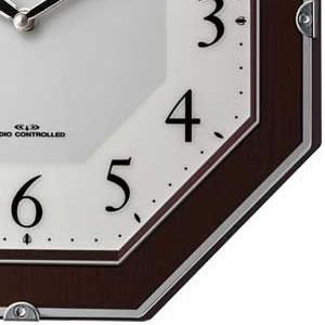 CITIZEN シチズン 電波掛け時計 サイレントソーラーM826【4MY826-006】 枠