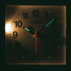 SEIKO セイコー 防災クロック目覚まし時計 【KR885N】 ライト