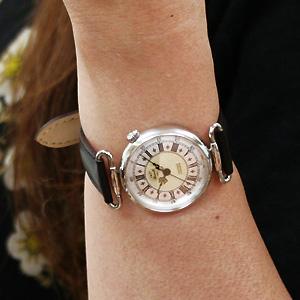 エレガントな時計